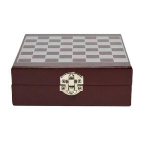 Jogo de xadrez com kit para vinho sommelier